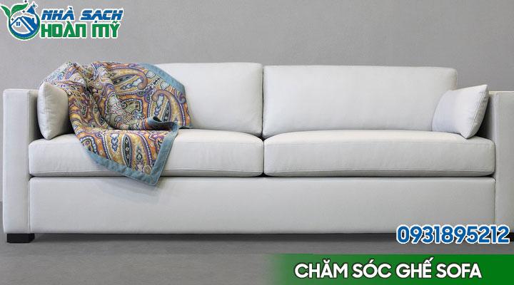 Chăm sóc ghế sofa luôn sáng bóng